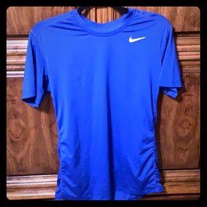 🔥20% off 2 + items Nike Dri fit tee